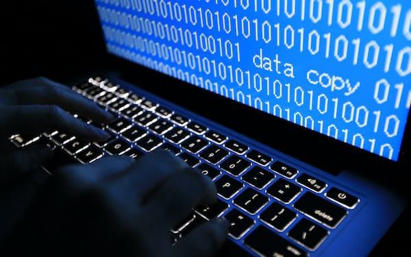 サイバー攻撃は、個人情報の闇サイトへの転売や詐欺など悪用が目的の場合が多い