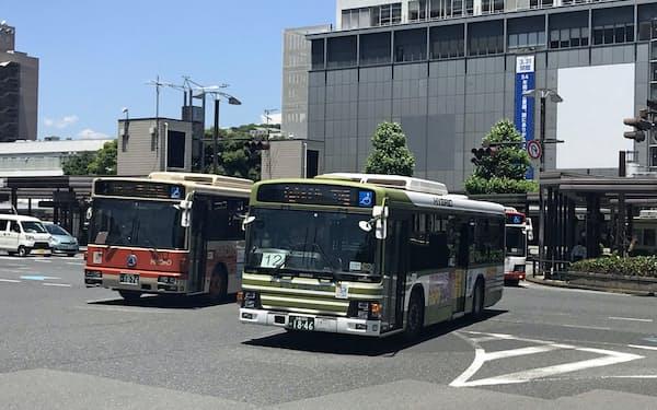 広島市中心部のバス運行本数は過剰気味だ(広島駅前)