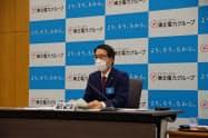 記者会見する東北電力の樋口康二郎社長(25日、仙台市)