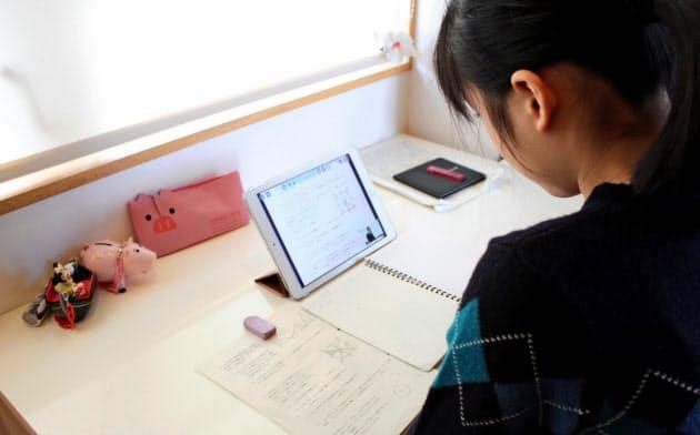 コロナ禍をきっかけにオンライン授業は広がりつつあるが、学校によって取り組みに違いがある