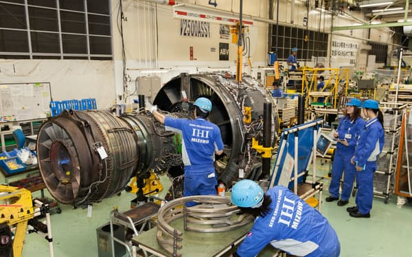 IHIは全社の投資の3割強を凍結する(写真は東京都瑞穂町の航空エンジン工場)