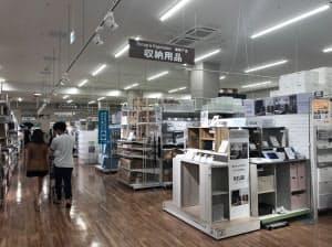 組み立てに工具を使わない収納用品の販売が伸びた(東京都内の店舗)