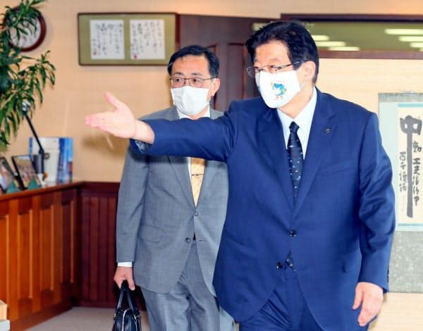 静岡県の川勝知事とJR東海の金子社長の会談は平行線に終わった(6月26日=代表撮影)
