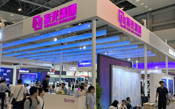 紫光集団はNAND型フラッシュメモリーでは量産実績がある(19年8月、重慶市の展示会)