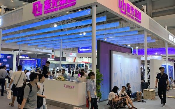 中国の半導体自給率向上のカギを握る存在となった紫光集団(2019年8月、重慶市の展示会)
