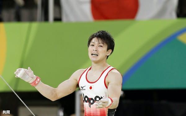 内村航平は全日本シニア選手権(9月)に出場予定だ(2016年リオデジャネイロ五輪)=共同