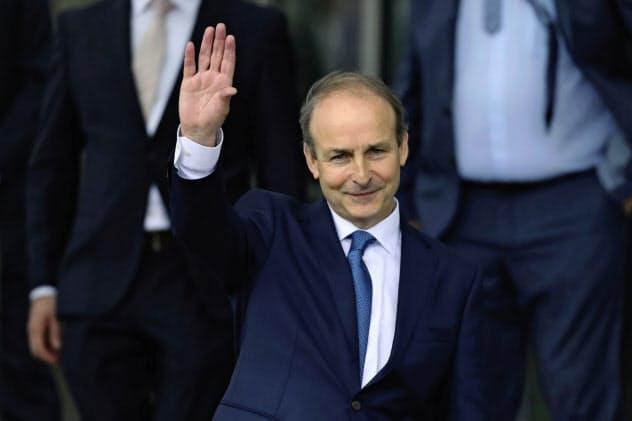 3党連立政権を率いるアイルランド新首相のマーティン氏は2年半で首相の座を譲る方針を示している(AP)