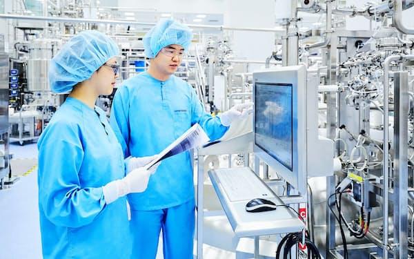 サムスンバイオは大規模な生産設備を用意して受注を獲得している(韓国仁川市)