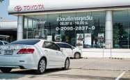タイは経済活動制限で新車販売などが落ち込んだ(3月、バンコク)=小高顕撮影
