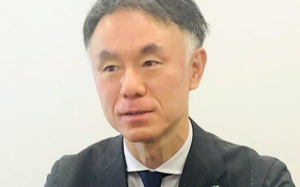 日立建機の塩嶋慶一郎最高財務責任者(23日、東京・台東)