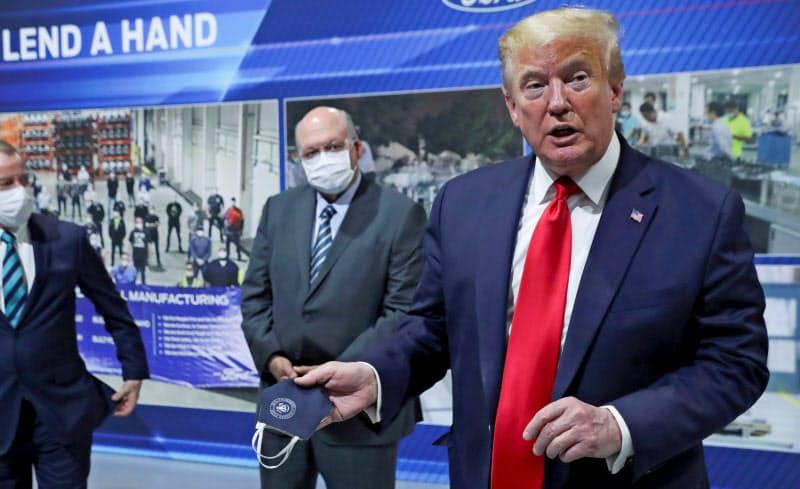 トランプ大統領はマスク着用に消極的な姿勢を貫く=ロイター