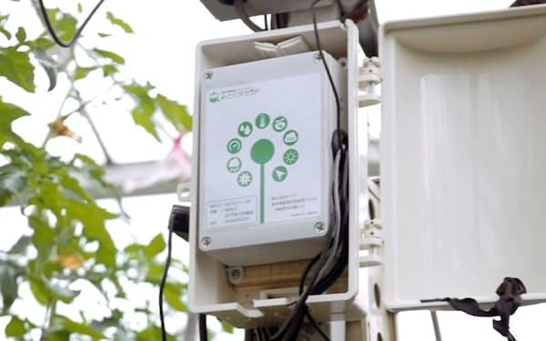 農場に設置したセラクの環境管理システム「みどりクラウド」の機器