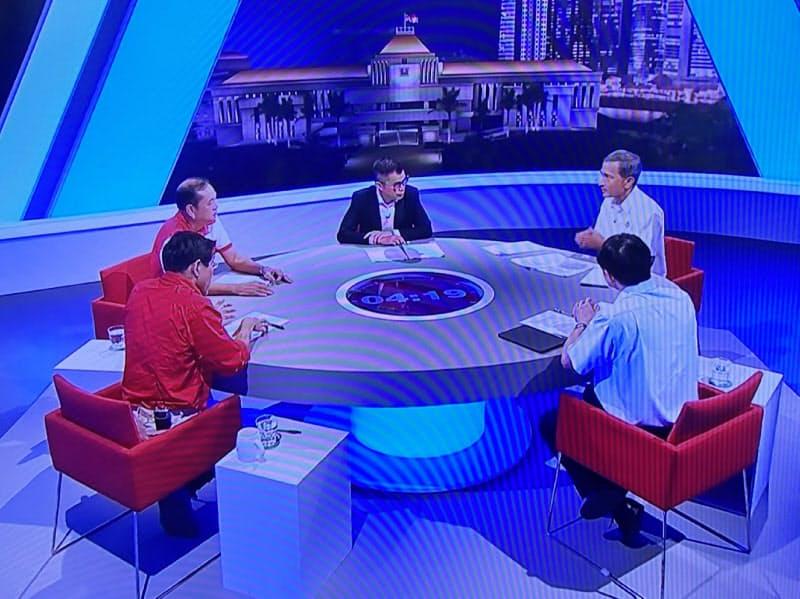 外国人の活用や雇用問題はシンガポールの選挙戦の争点の1つとなっている(写真は1日に放映されたテレビ討論会)