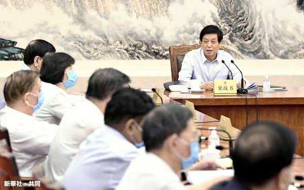 中国政府は一国二制度の維持を強調する                                                       (中国全人代の常務委員会、6月20日、北京)=新華社・共同
