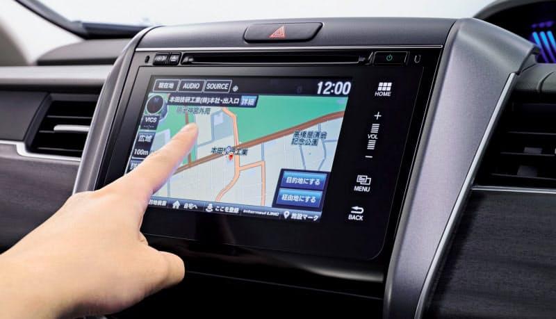 通信技術を使い、他のナビ装着車から集めた交通情報をルート検索に生かすホンダの「インターナビ」