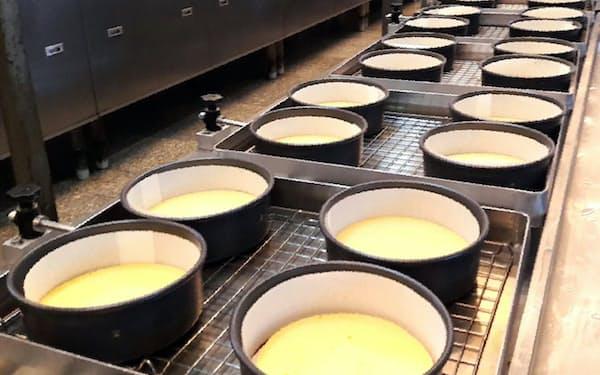 タイではまず、ベークドチーズケーキを生産する