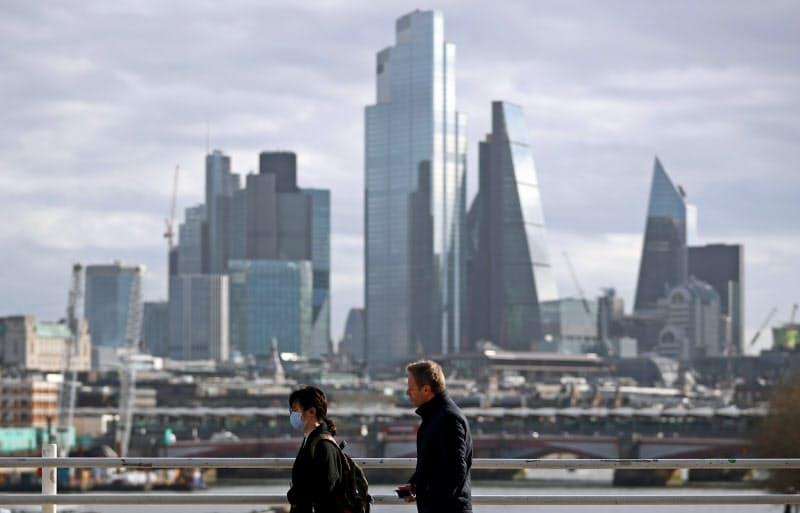 英国は金融分野でEU市場へのアクセス維持をめざす(ロンドンの金融街シティー)=ロイター