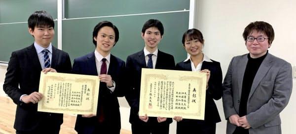 (左から)太田真輝さん、大箸祐太さん、伊藤秀太さん、松田和泉さん、首藤昭信准教授
