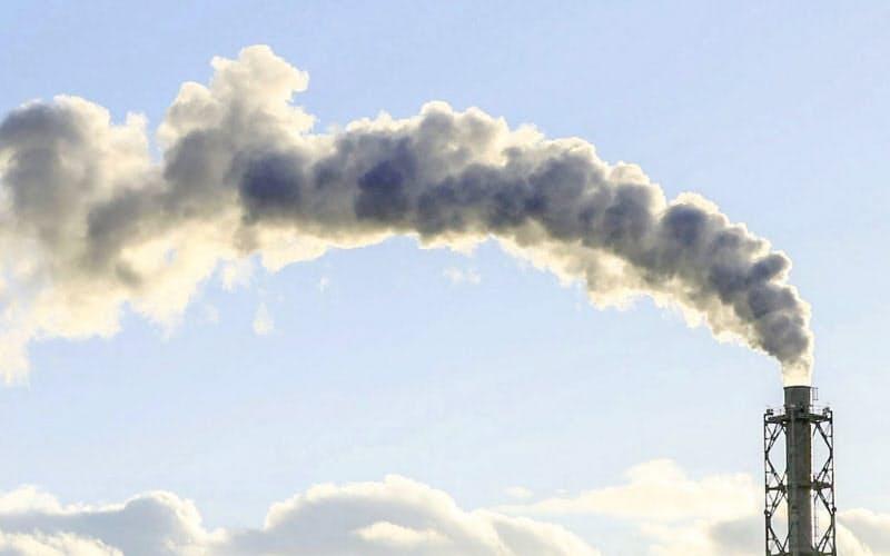 温暖化ガス削減へ税優遇 首相、自民税調会長に検討…(写真=共同)