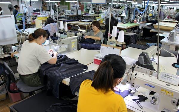 カインドウェアは中国から栃木の子会社へフォーマルスーツの生産を移管する(栃木県大田原市の那須夢工房)