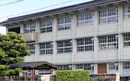 自殺した男子生徒が通っていた岐阜市立中の校舎=共同