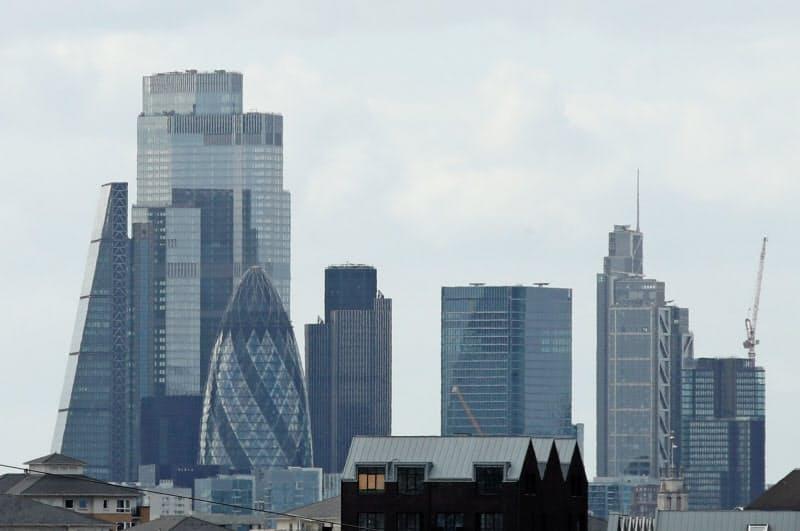 英国では相次ぐ企業破綻で「監査の質」に批判が強まった(金融街シティー)=ロイター