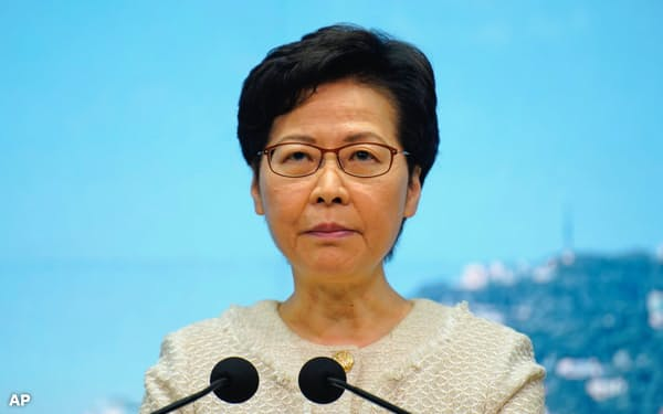 香港の林鄭月娥・行政長官もフェイスブックを使っている(7日)=AP