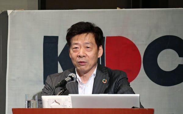 関西経済同友会の深野代表幹事(7日、大阪市内)