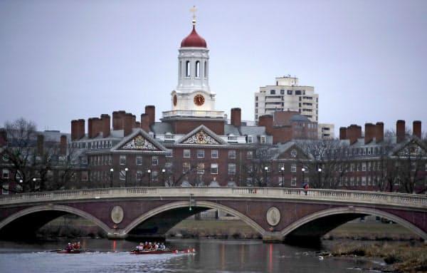 外国人留学生へのビザ発給が一段と厳しくなる(米ハーバード大)=AP