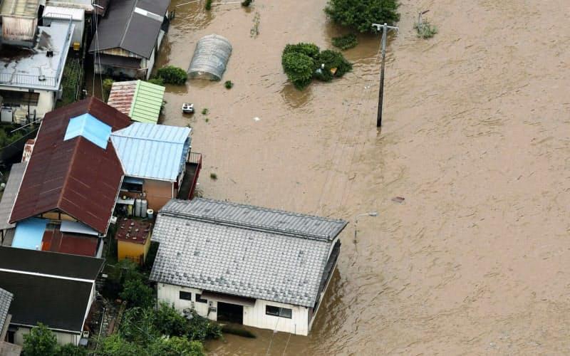 岐阜・長野で豪雨、飛騨川が氾濫 九州は激甚災害指定へ
