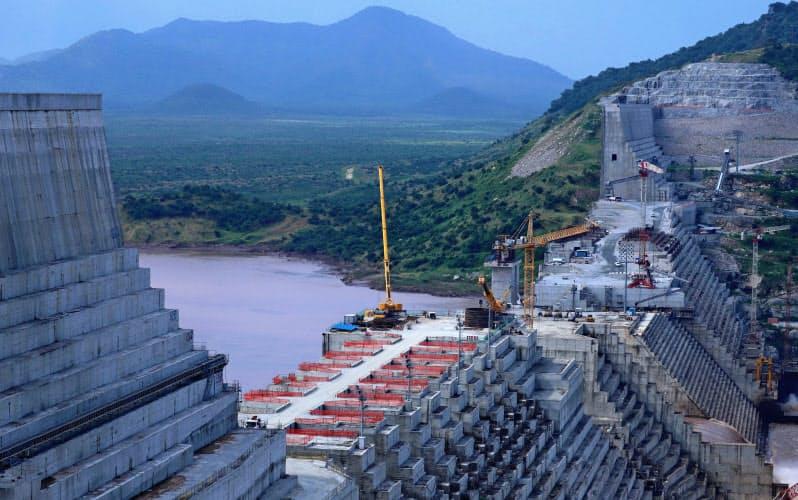 エチオピアが建設する「大エチオピア・ルネサンス・ダム」(写真は2019年当時)=ロイター