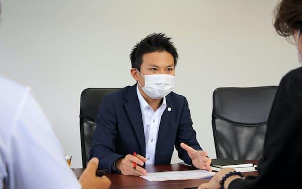 斎藤航さんは足利銀行を退職して、コンサルティング会社「TSUNAGU」を起業した