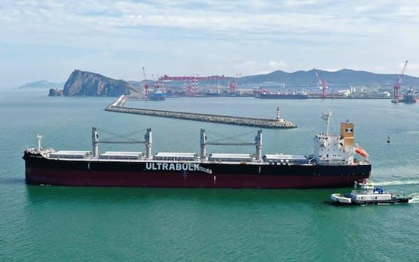 川崎重工業が中国の造船所で受注したばら積み船