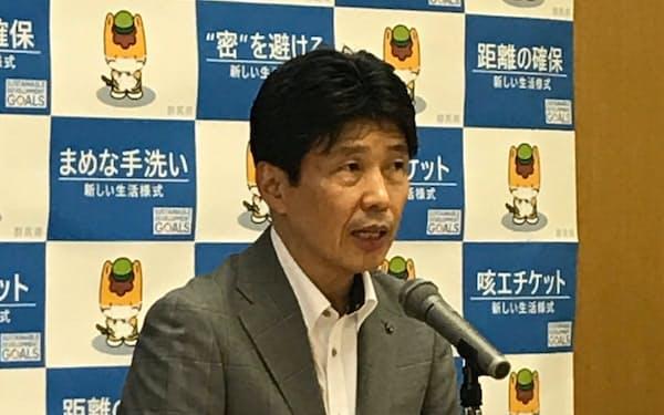 群馬県の山本一太知事は初動対応の遅れなどの理由を挙げた(9日、前橋市)