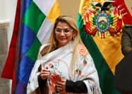 ボリビアのアニェス暫定大統領=ロイター