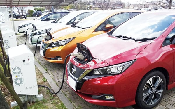 関西電力は充電設備とセットで電気自動車をリースする(京都府亀岡市)