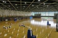 天井に設置した複数のカメラでプレー状況を細かく分析できる。