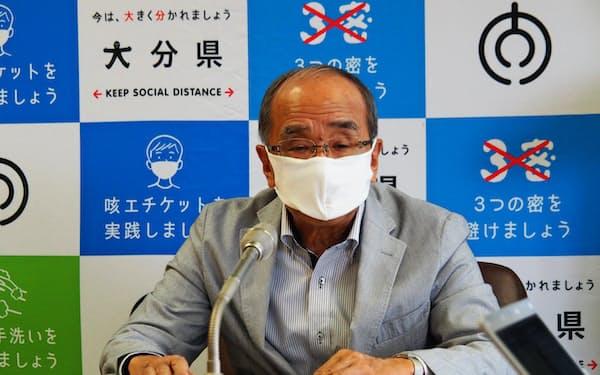 広瀬勝貞知事は近隣県との相互誘客に意欲を示している(7日、大分県庁)