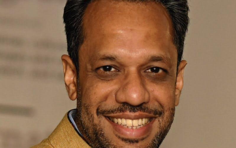 Arunabha Ghosh 英オックスフォード大博士。2010年、シンクタンクのCEEW創設。インドなど各国の政府や産業界、国際機関のアドバイザー的な役割も務める。