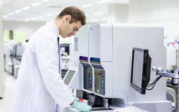 インドで販売を強化する血球計数装置の上位機種