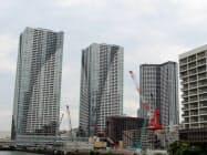 各社が販売機会を逃さないよう開発を急いできた(10日、東京都中央区)