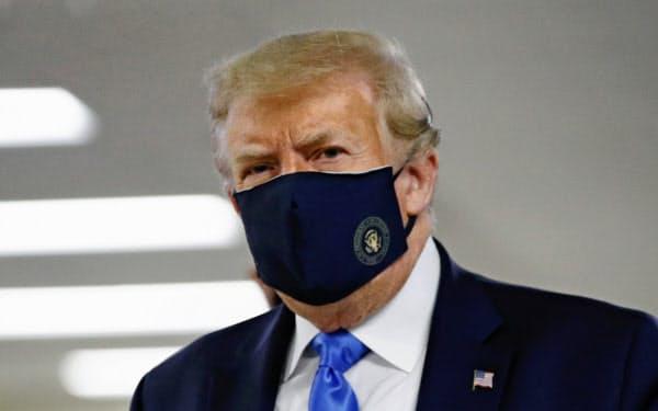 トランプ氏、マスク姿を初披露 「素晴らしいこと」