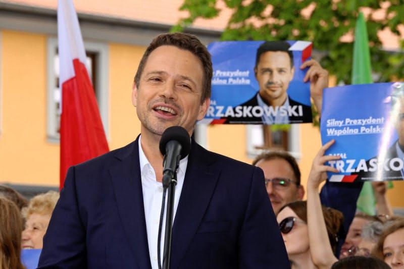 野党候補のトゥジャスコフスキ・ワルシャワ市長(10日)ロイター