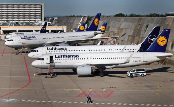欧州各国は新型コロナ対策として企業への補助金を増やしている(独政府が支援を決めたルフトハンザ航空)=ロイター