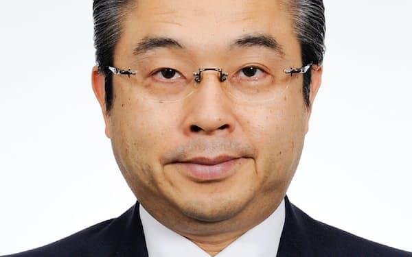 外務審議官に就任する鈴木浩首相秘書官