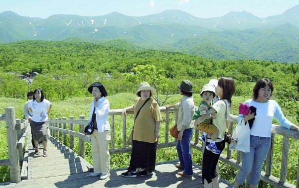 自然豊かな知床は毎夏、観光客でにぎわう