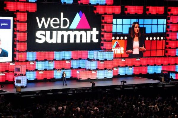 ウェブサミットのメーン会場は、ライブのような熱気に包まれる(2019年11月、リスボン)