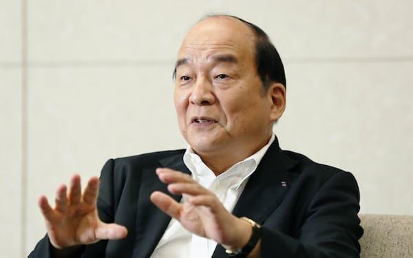 西鉄の倉富社長は新型コロナの影響で投資をさらに削減する考えを示した