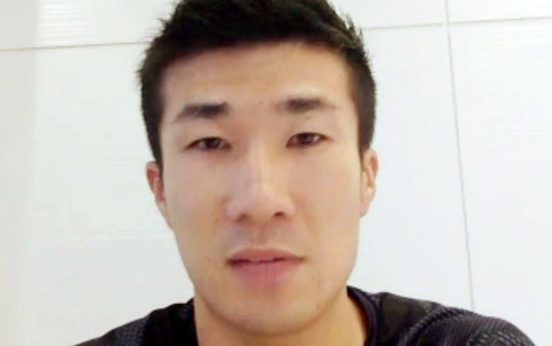 オンラインで報道陣の取材に応じる陸上男子短距離の桐生祥秀(15日)=共同