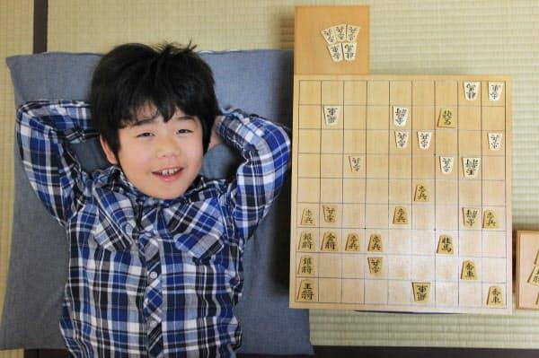 2012年に奨励会に入会し、最年少の会員だった小学4年当時の藤井聡太さん(同年12月)